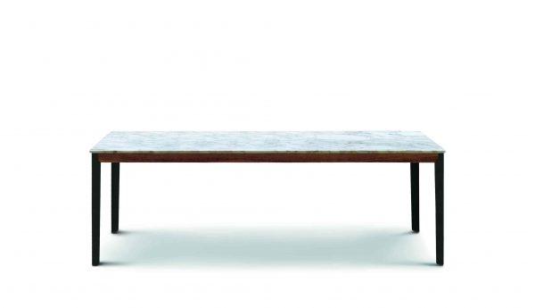 Hug dining table by Arflex